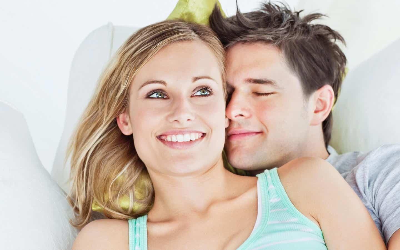 5 sigurnih znakova da se on zaljubio